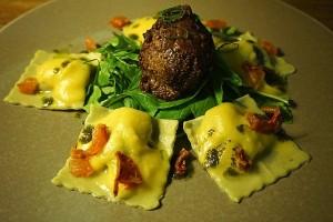 meatball-ravioli-964959_640